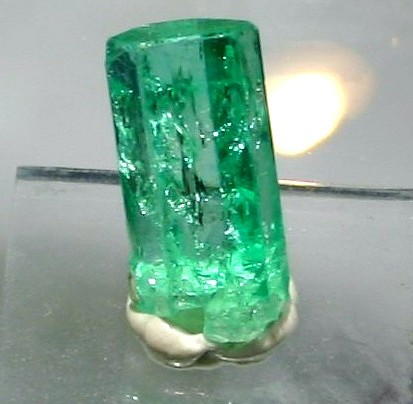 Emerald Beryl Mineral Information Photos And Facts