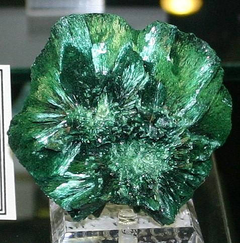 fiberous malachite